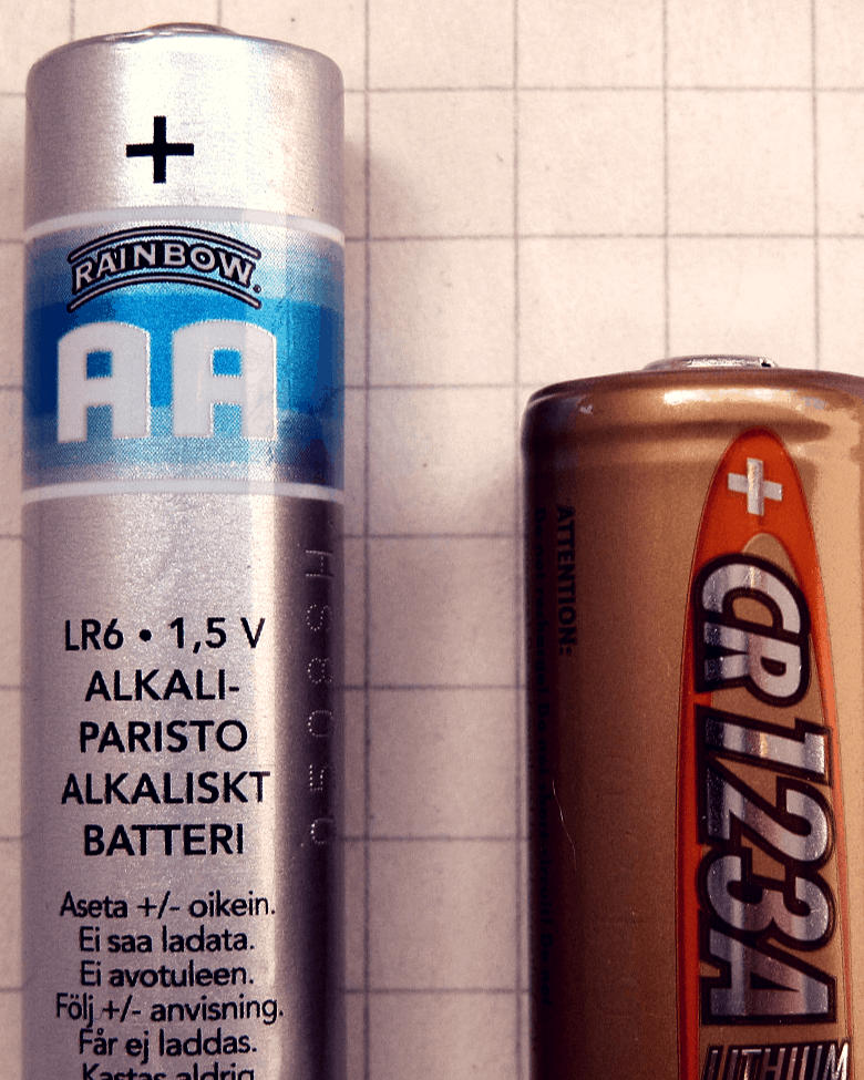 CR123A-AA-battery
